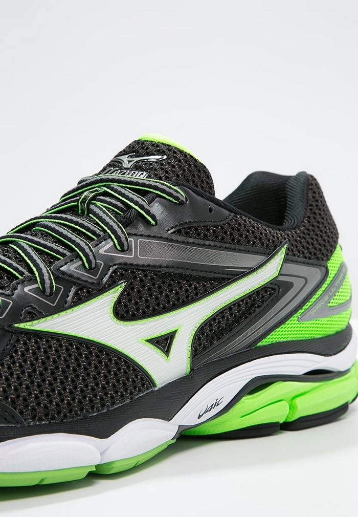 ДинамикаMizuno Wave Ultima 8