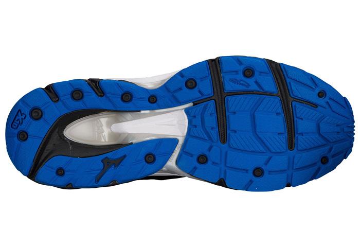 Обзор кроссовок Mizuno Wave Paradox