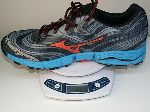 Модель легче большинства асфальтовых тренировочных кроссовок и по этому  параметру ближе к полумарафонкам. 1d58fed29ac