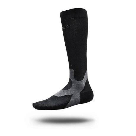 Mueller black graduated compression performance socks 1 pair small